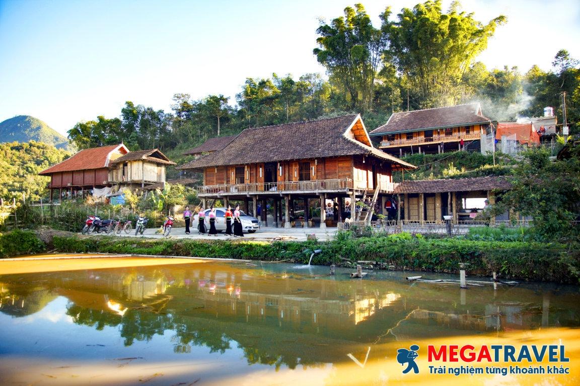 Tour du lịch cộng đồng Mường Phăng (Điện Biên) tham quan văn hóa dân tộc
